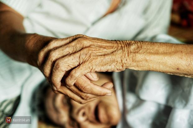 Về xứ Ô Môn nghe chuyện chàng khờ nhặt ve chai nuôi mẹ: Hồi xưa má nuôi mình lớn, giờ tới lượt mình nuôi má! - Ảnh 7.