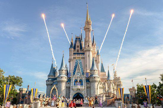 Khi Disneyland giờ chỉ dành cho người giàu: Giá vé lên tới hơn 27 triệu và bài học xương máu Để vươn đến đỉnh cao, bạn sẽ phải tàn nhẫn - Ảnh 3.