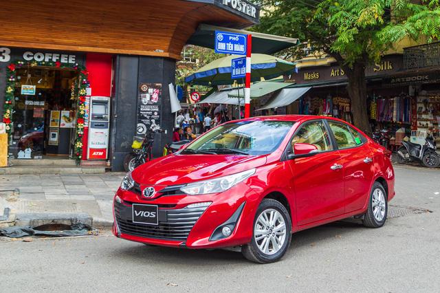 Cuộc đua lên đời để 'vợt' khách Việt dịp cận Tết: Xe sang tăng giá trăm triệu, xe phổ thông giảm giá sâu - Ảnh 7.