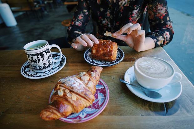 5 nhóm người nên cẩn trọng khi uống cà phê để tránh gặp rắc rối tới sức khoẻ - Ảnh 1.