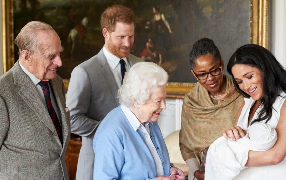 Vợ chồng Công nương Kate có kế hoạch bất thường sau cú sốc hoàng gia, Nữ hoàng Anh giấu đi nỗi buồn không phải ai cũng hiểu - Ảnh 2.