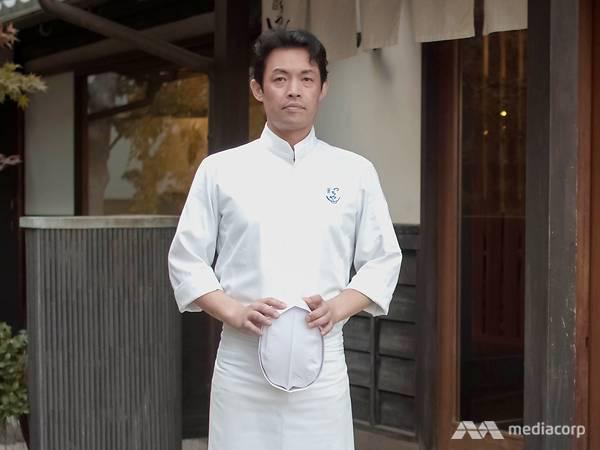 13.Sở hữu 2 sao Michelin nhờ kỹ thuật chiên tempura hoàn hảo nhưng đầu bếp người Nhật từng bị đuổi khỏi nhà vì quyết theo đuổi nghề nấu ăn - Ảnh 2.