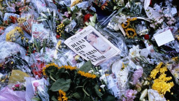 Người duy nhất sống sót trong tai nạn thảm khốc của Công nương Diana: Phải phẫu thuật khuôn mặt, bị kiện tụng và thuyết âm mưu bủa vây hơn 2 thập kỷ - Ảnh 11.
