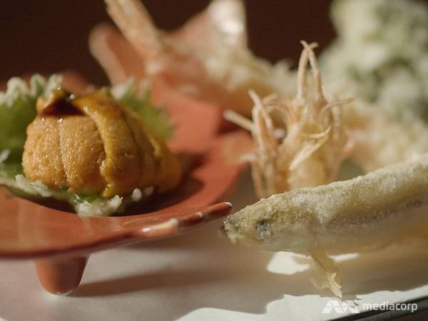 13.Sở hữu 2 sao Michelin nhờ kỹ thuật chiên tempura hoàn hảo nhưng đầu bếp người Nhật từng bị đuổi khỏi nhà vì quyết theo đuổi nghề nấu ăn - Ảnh 6.