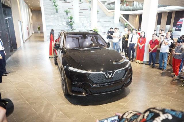 Lộ diện dàn xe được mong đợi năm 2020, VinFast chiếm sóng với dàn xe bí ẩn siêu hot - Ảnh 6.