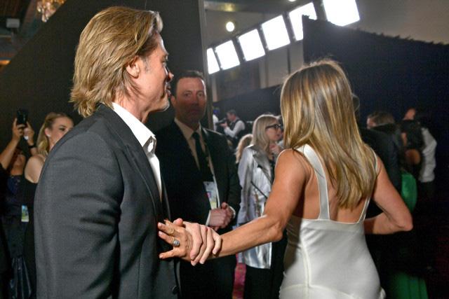 Brad Pitt - Jennifer Aniston: Chuyện tình khiến thế giới ghen tị kết thúc vì ồn ào ngoại tình, sau 15 năm gặp lại ánh mắt vẫn như xưa  - Ảnh 8.