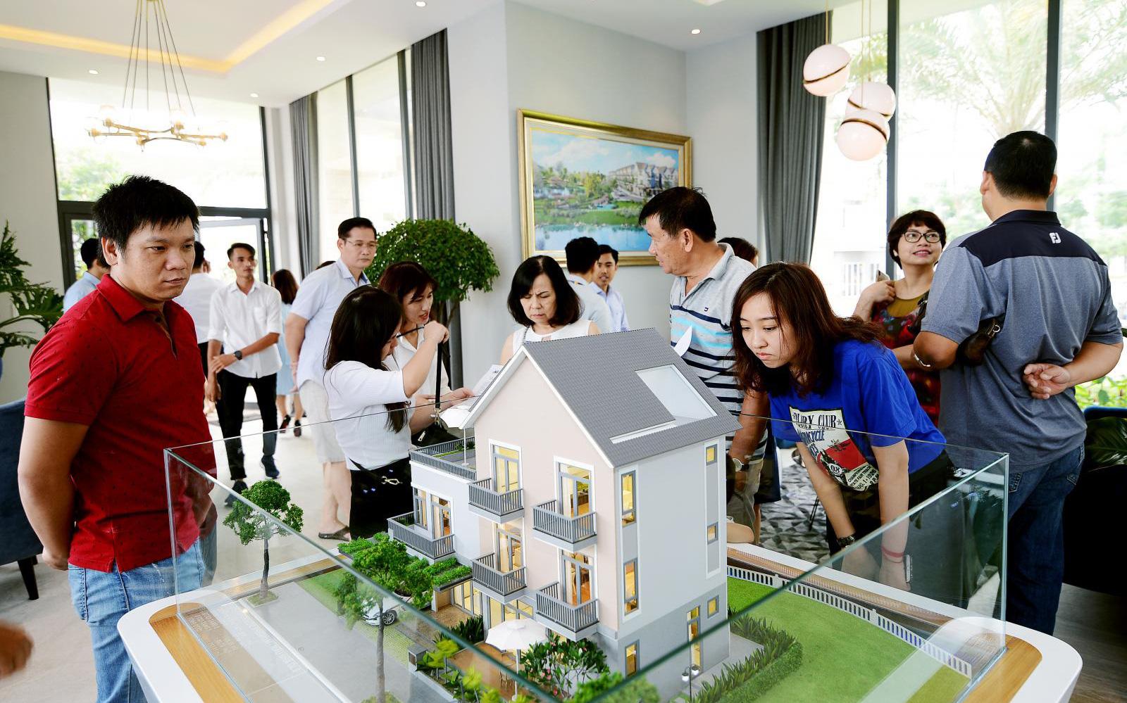 Có nên thuê nhà dài hạn rồi tích lũy tiền đầu tư sinh lời, tính chuyện mua nhà sau?