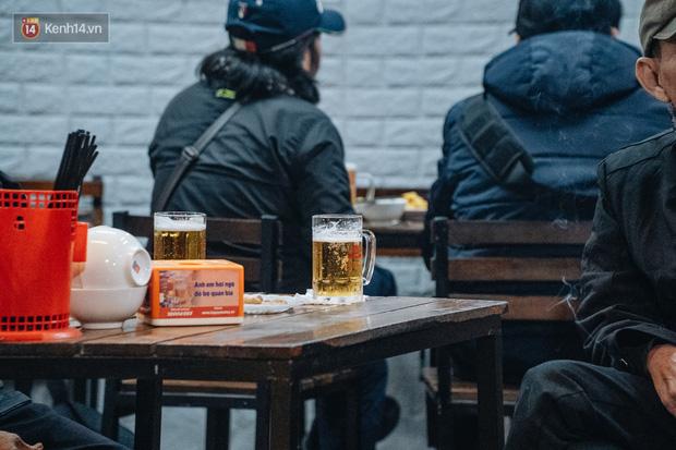 Thị trường bia rượu đìu hiu, giảm đến 25% sau Nghị định 100: Tết này biếu nhau... nước giải khát! - Ảnh 3.
