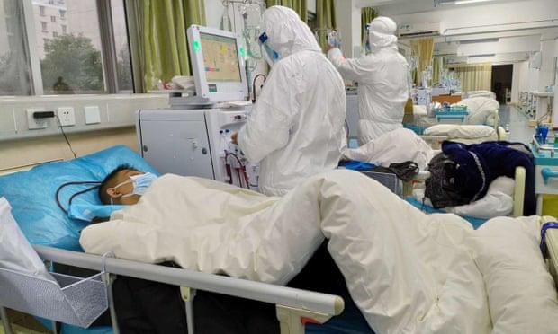 Những người tiến vào tâm dịch Vũ Hán: Anh hùng chống SARS 84 tuổi trở lại cuộc chiến với virus, nhà báo vượt qua nỗi sợ để đưa tin - Ảnh 6.