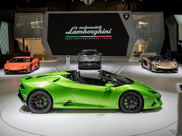 Vì sao Ferrari hay Lamborghini không bao giờ quảng cáo trên TV? Đơn giản vì người có thể mua siêu xe của họ còn đang mải kiếm tiền, không rảnh mà xem vô tuyến! - Ảnh 2.
