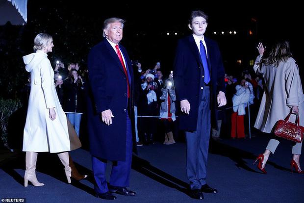 Barron Trump: Từ thiên thần sinh ra đã ngậm thìa bạc đến tiểu soái ca đốn gục trái tim hàng triệu người hâm mộ - Ảnh 13.