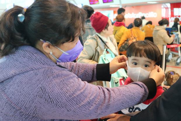 Hải Phòng: Thị trường khẩu trang loạn giá vì virus Corona hoành hành tại Trung Quốc - Ảnh 8.