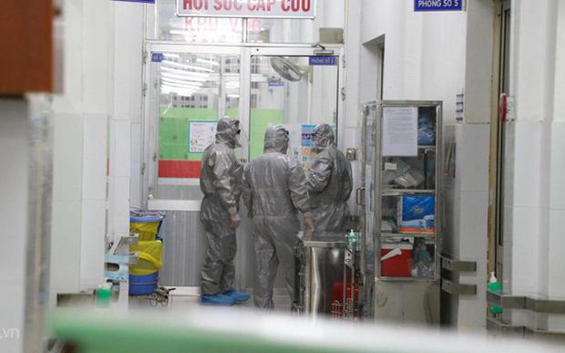 Dù đã có 3 người Việt dương tính với virus corona, nhưng nhiều người vẫn... lạc quan kỳ lạ: Tới đâu tính tới đó thôi! - Ảnh 2.