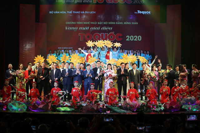 Vang mãi giai điệu Tổ Quốc 2020: Dâng Đảng những cung đàn mùa xuân - Ảnh 3.