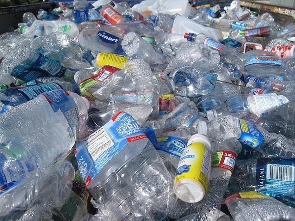 Nikkei Asian Review: Người tiêu dùng châu Á phải đi đầu trong việc nói không với bao bì nhựa - Ảnh 2.