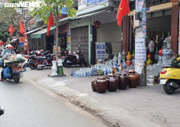 Sau chỉ đạo của thành phố, vỉa hè nhiều tuyến phố Hải Phòng vẫn bị bức tử - Ảnh 13.