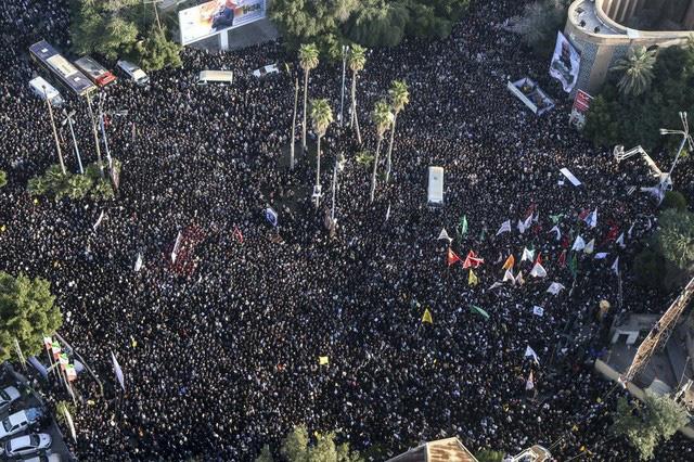 Lạnh người hình ảnh hàng triệu người trút giận dữ vào nước Mỹ tại đám tang tướng Iran bị ám sát - Ảnh 5.