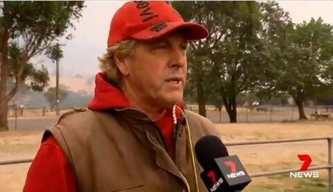 Những khoảnh khắc xúc động đến cay mắt giữa thảm họa cháy rừng nước Úc: Trong hoạn nạn, tình người mới thật ấm áp biết bao! - Ảnh 6.