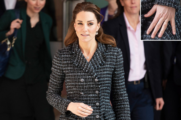 """Công nương Kate đột nhiên tháo nhẫn đính hôn trong sự kiện gần đây: Tưởng cô """"dỗi"""" chồng, hóa ra là vì lý do rất cảm động - Ảnh 3."""
