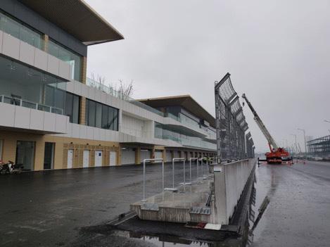 Chưa đầy 2 tháng nữa sẽ diễn ra chặng đua F1 Vinfast Vietnam: Tốc độ thi công thần tốc, Giám đốc đường đua F1 Michael Masi cũng phải bất ngờ - Ảnh 7.