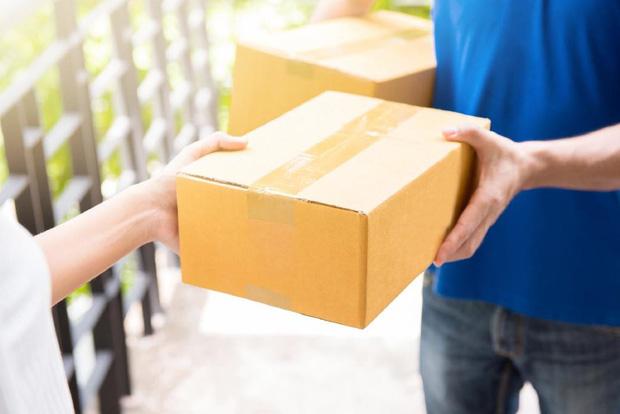 Nhận đồ vận chuyển từ Trung Quốc hoặc từ những điểm có ca nhiễm bệnh: Nguy cơ lây nhiễm virus corona như thế nào? - Ảnh 3.