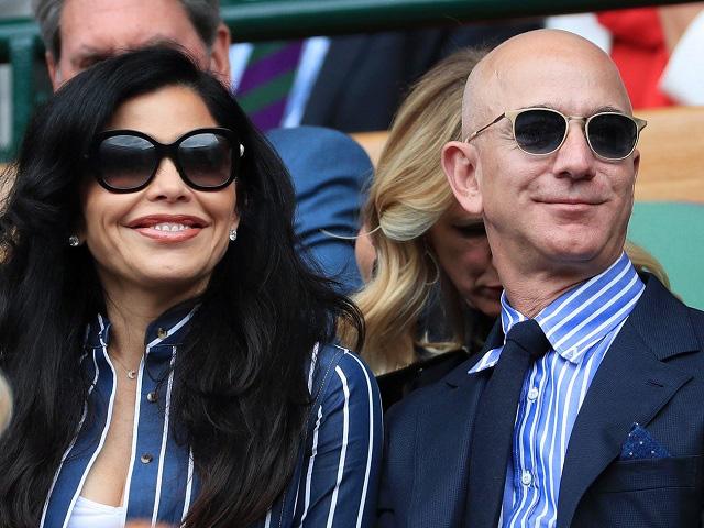 Tỷ phú Jeff Bezos chi 165 triệu USD mua biệt thự đắt giá nhất California - Ảnh 1.