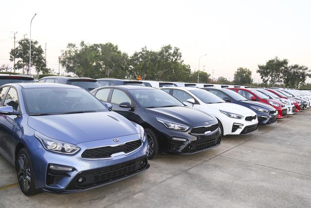 Loạt xe sang BMW, Mercedes, Audi nhập về Việt Nam có thể giảm giá tới cả tỷ đồng, VinFast được xuất khẩu xe 'giá rẻ' sang châu Âu - Ảnh 4.