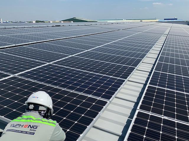 Trình Chính phủ phương án mua điện mặt trời theo giá cố định - Ảnh 1.