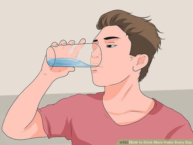 Đừng chờ khát mới uống nước: 6 mẹo uống nước giúp bạn khỏe mạnh hơn - Ảnh 4.