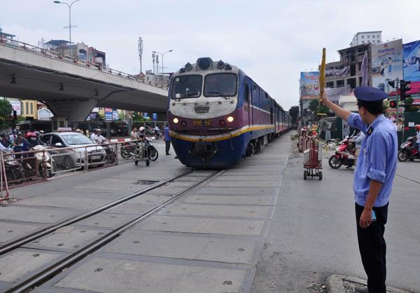Đường sắt có thể phải dừng hoạt động chạy tàu toàn quốc - Ảnh 2.