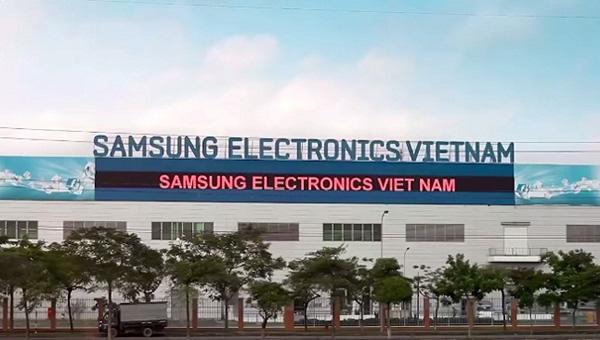 Nikkei: Samsung Việt Nam khẳng định vẫn hoạt động trong tình trạng hoàn hảo, FPT Retail hưởng lợi vì nhu cầu mua smartphone và laptop để học trực tuyến tăng vọt - Ảnh 2.