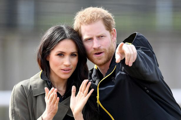 Thông tin mới bất ngờ về mối quan hệ hiện tại giữa Harry với Meghan Markle sau khi ra ở riêng, bị Nữ hoàng cho cú đánh chí mạng - Ảnh 1.