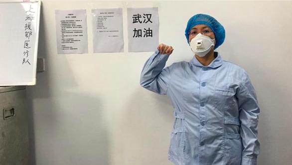 Nhật ký nữ bác sĩ: Không phải trực đêm do bệnh thận, nhưng vì Vũ Hán mà sẵn sàng cùng đồng nghiệp chiến đấu với virus corona - Ảnh 1.