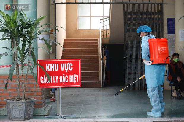 Từ 21h tối nay, hành khách mang quốc tịch Việt Nam sinh sống, học tập, lao động ở Hàn Quốc khi nhập cảnh vào Việt Nam sẽ phải cách ly 14 ngày - Ảnh 1.
