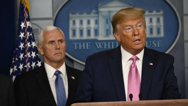 Tổng thống Trump thừa nhận là người cuồng sạch sẽ, khuyên người dân làm theo thói quen giữ vệ sinh kỳ lạ của mình giữa mùa dịch Covid-19 - Ảnh 1.