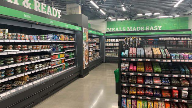 Bên trong cửa hàng thực phẩm không thu ngân đầu tiên của Amazon - Ảnh 2.