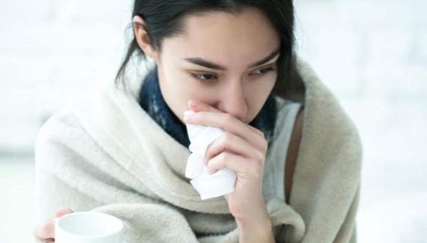 3. Cố gắng đi làm dù đang bị ốm