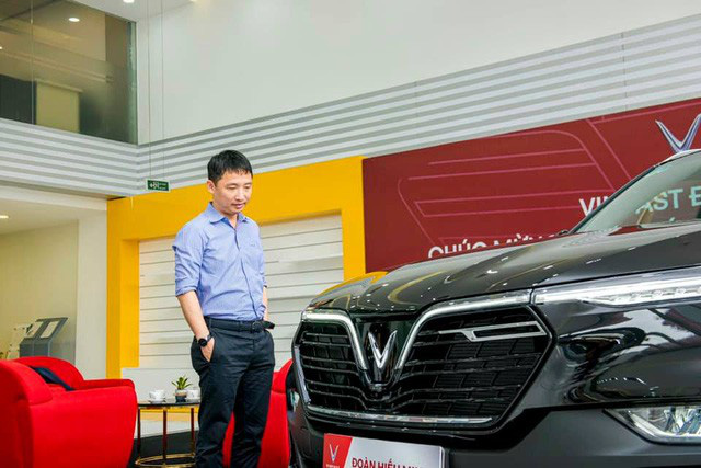 'Ông trùm' Rolls-Royce Việt Nam mua VinFast Lux SA2.0 với màu sơn và trang bị gây bất ngờ - Ảnh 1.