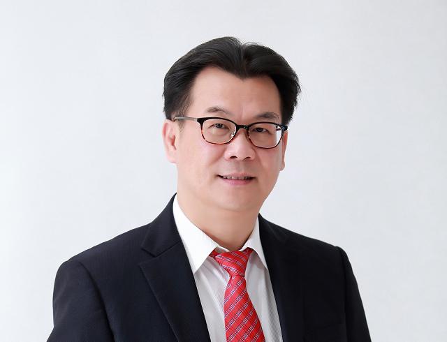 Chủ tịch Sợi Thế Kỷ: Tăng nhập nguyên liệu từ Đài Loan, Malaysia, nguồn cung không ảnh hưởng - Ảnh 1.