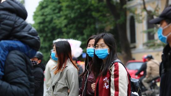 Chuyên gia y tế chỉ ra 4 sự khác biệt giữa viêm phổi Vũ Hán, cảm lạnh và bệnh cúm - Ảnh 4.