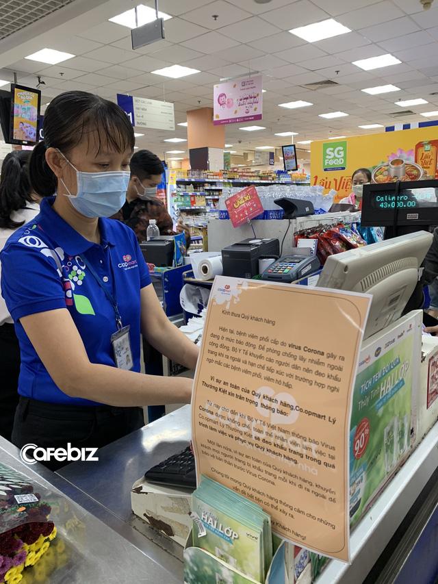 """Tâm sự của đại gia sở hữu hơn 800 siêu thị tại Việt Nam: Trước kia mỗi siêu thị ngày bán được 10 hộp khẩu trang, chỉ 5 ngày qua """"bán hết vèo"""" hơn 3 triệu cái nhưng chúng tôi cam kết không tăng giá - Ảnh 2."""