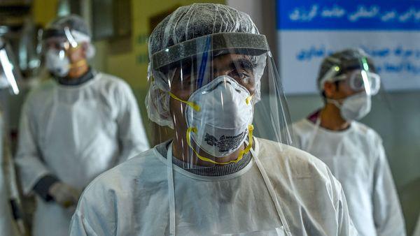 Những người thường xuyên mắc viêm phổi có dễ nhiễm virus corona hơn người bình thường không? Câu trả lời của chuyên gia sẽ khiến bạn phải giật mình! - Ảnh 1.