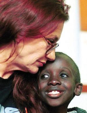 Google vinh danh Nkosi Johnson - Người hùng nhỏ có bài phát biểu khiến 10.000 người chết lặng - Ảnh 1.