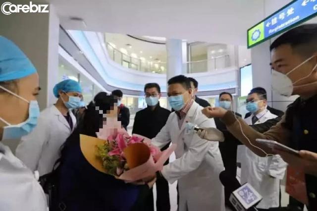Chấn động lòng người! Lời nhắn nhủ của bệnh nhân đầu tiên được xuất viện sau khi bị nhiễm virus corona ở Quảng Châu - Ảnh 3.