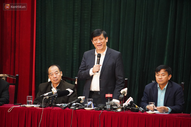 Bộ Y tế tổ chức họp báo lần 2 về dịch virus Corona tại Việt Nam: Khoảng 900 người đang được cách ly tại các tỉnh biên giới - Ảnh 3.