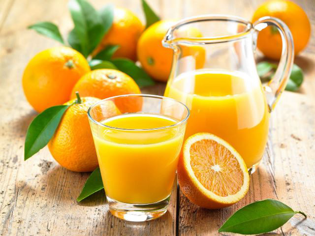 Tùytiện sử dụng vitamin C để phòng ngừa được virus corona: Chuyên gia khẳng định rất nguy hiểm - Ảnh 1.