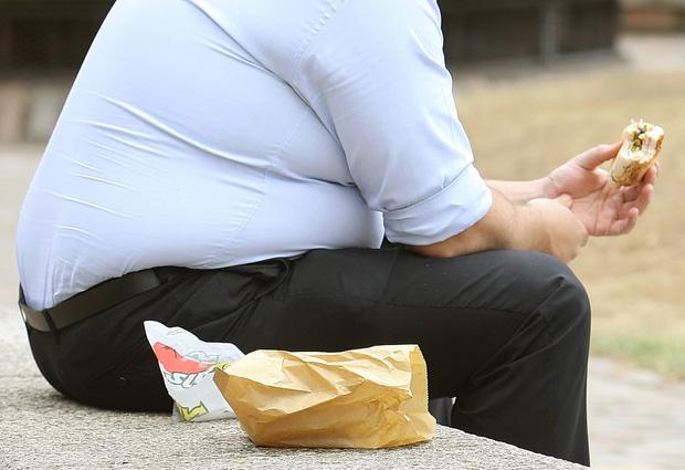Lạc rất bổ dưỡng nhưng có 3 nhóm người không nên ăn vì sẽ ảnh hưởng xấu đến sức khỏe - Ảnh 2.