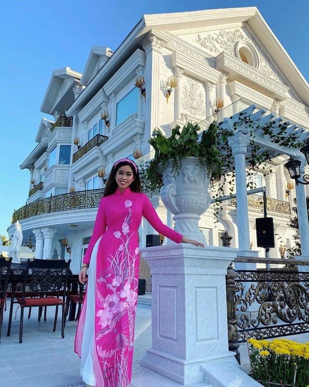 Con gái ông Jonathan Hạnh Nguyễn có thể đã phải chi gần 10 tỷ đồng thuê máy bay riêng về Việt Nam để cách ly dịch cúm Corona - Ảnh 4.