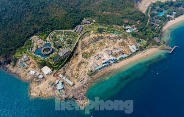 Khánh Hoà chỉ đạo khẩn xử lý vi phạm xây dựng tại Khu du lịch đảo Hòn Tằm - Ảnh 1.