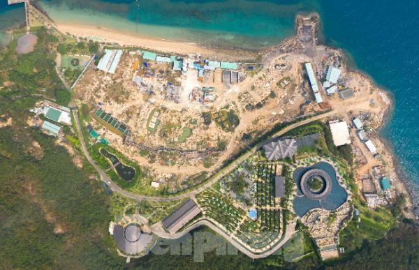 Kiểm tra đột xuất việc xây dựng không phép tại Khu du lịch đảo Hòn Tằm  - Ảnh 1.